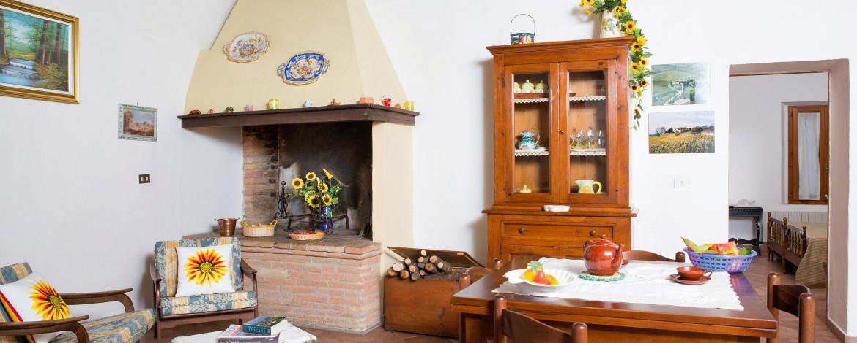 Appartamento_giallo_salotto_web